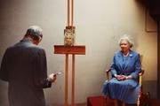 نمایش پرتره ملکه الیزابت در نمایشگاهی به مناسبت ۱۰۰ سالگی لوسین فروید در گالری ملی لندن