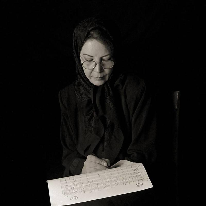 تولدِ نخستین بانوی ایرانی مدرس و نوازندهی سنتور