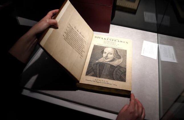 یک کتاب قدیمی از مجموعه نمایشنامههای شکسپیر به قیمت ۹.۹۷ میلیون دلار به فروش رسید