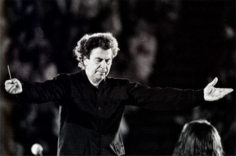 میکیس تئودوراکیس، آهنگساز افسانهای و سازنده موسیقی فیلم «زوربای یونانی» درگذشت