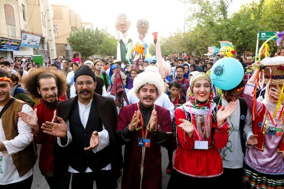 جشنواره تئاتر خیابانی مریوان