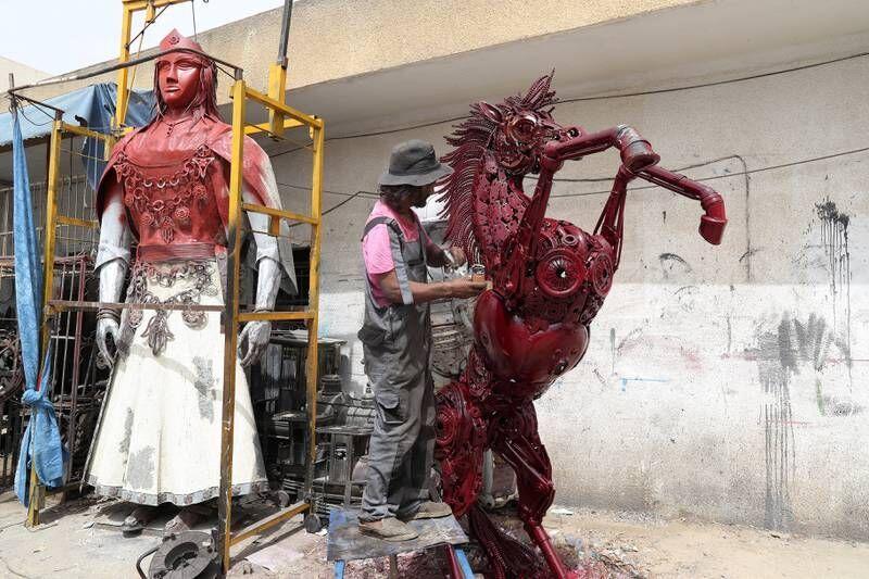 مجسمهسازی با قطعات یدکی خودرو