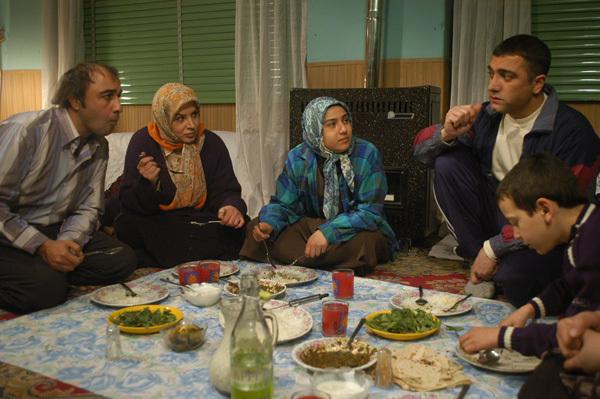 سریالهای  رمضان جانی برای جذب مخاطب ندارند/ تلویزیون دست به دامان عطاران شد