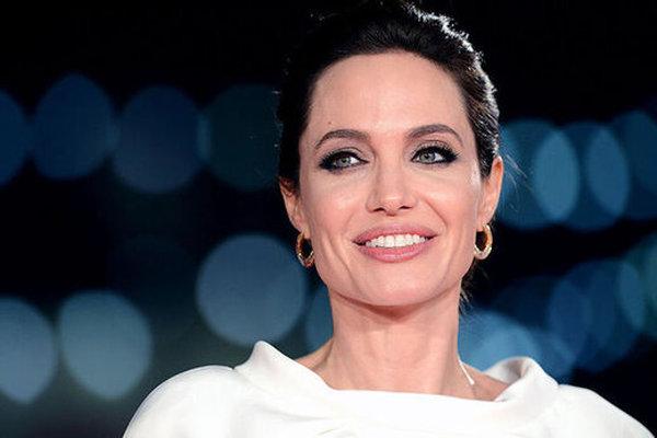 چرا آنجلینا جولی در فستیوال فیلم رم عجیب بود؟