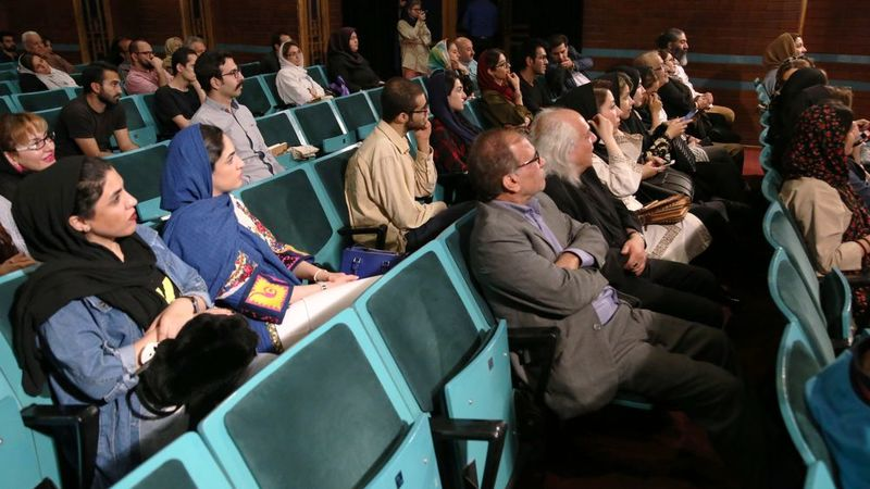 حضور صاحبنظران در نشست تخصصی بررسی اقتصاد هنر ایران+ فیلم