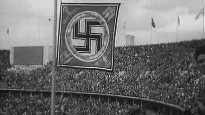 هیتلر، لنی ریفنشتال و جسی اونز - مسابقات المپیک تابستان ۱۹۳۶