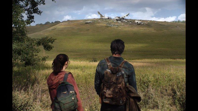 اولین تصویر از شخصیتهای جول و الی در سریال The Last of Us منتشر شد