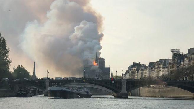 https___cdn.cnn.com_cnnnext_dam_assets_190415131804-02-notre-dame-fire-0415