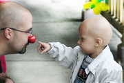 ۵۰ هنرمند از بیماران مبتلا به سرطان حمایت میکنند